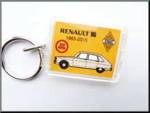 Keyring Renault 16 50 years (grey).